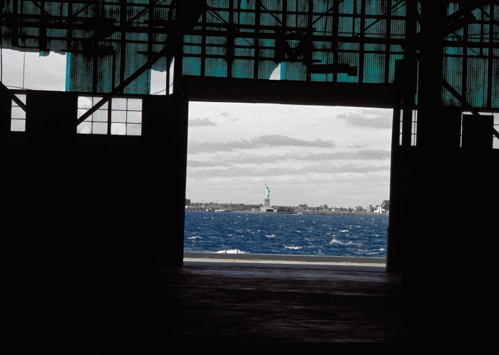 Statue of Liberty, Sunset Industrial Park, Brooklyn, New York, Februar 2003